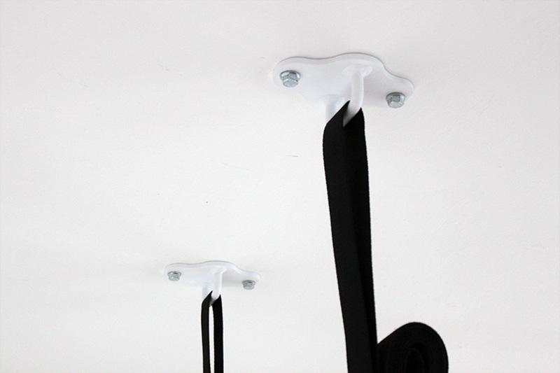 Biele držiaky na strop pre gymnastické kruhy